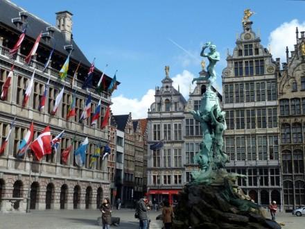 antwerp05 440x330 Церковь Святого Жиля в Брюгге