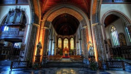 tserkov svyatogo zhilya v bryugge 440x248 Церковь Святого Жиля в Брюгге